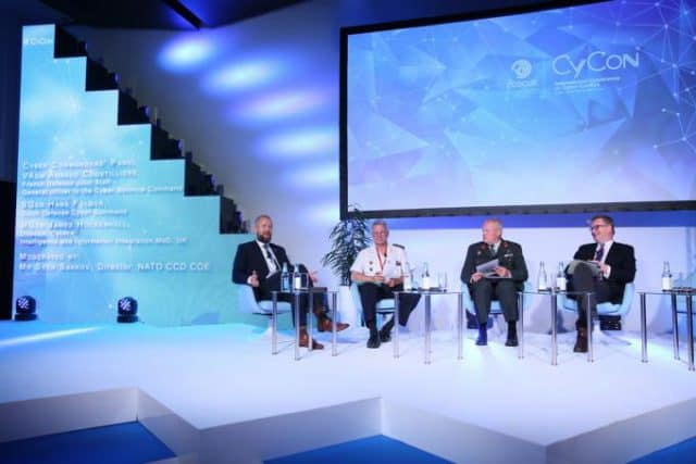 cyber-commanders-panel-cycon-2016-640x427